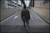 Mr V. est un réfugié politique arménien. Il se dirige vers les urgences de l'Hôtel Dieu pour passer la nuit. Le 115 ne lui a pas trouver de places dans les 7 foyers nantais. Nantes, 15 avril 2010.