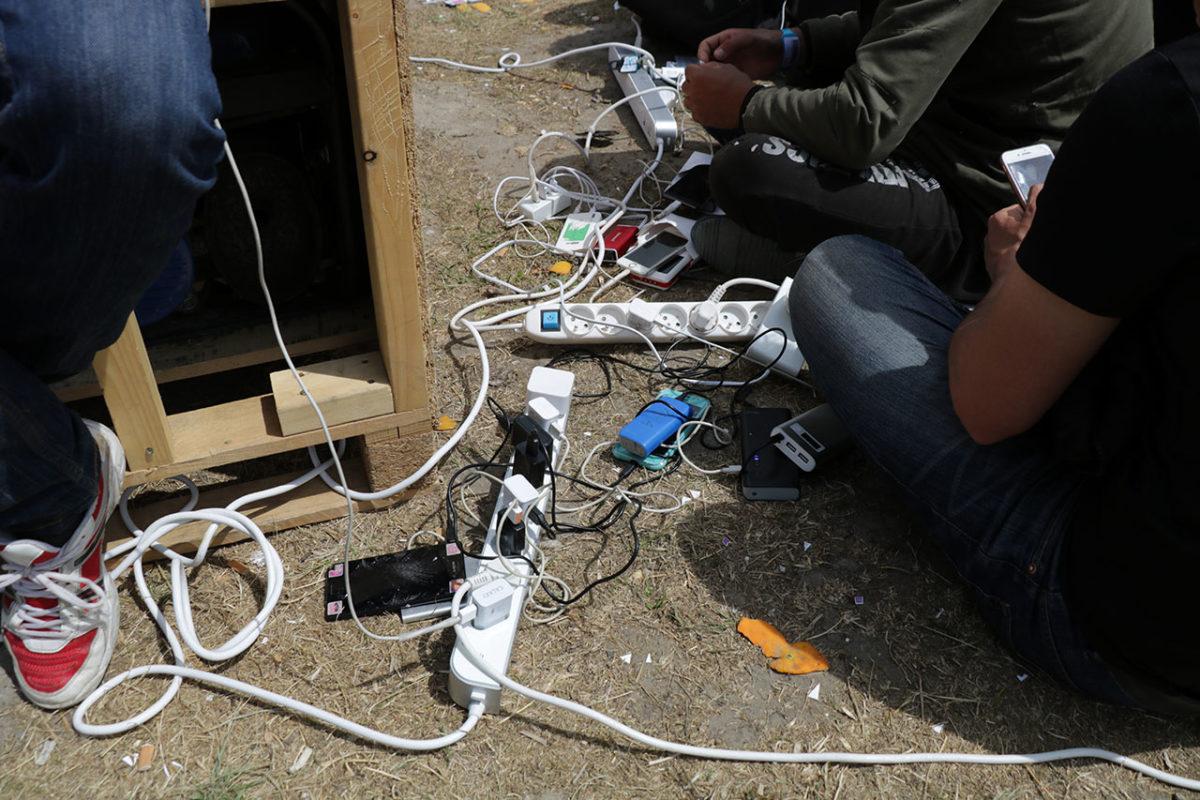 Rechargement des téléphones et des batteries secondaires avec