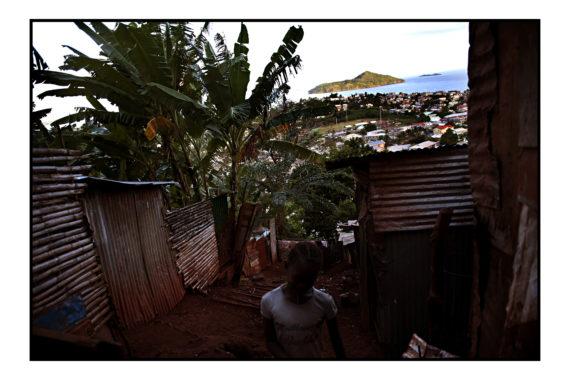 Quartier Vietnam, Cavani, Mamoudzou, 06 juin 2012. Djam's retrouve sa famille, entre autre sa soeur de 14 ans ....