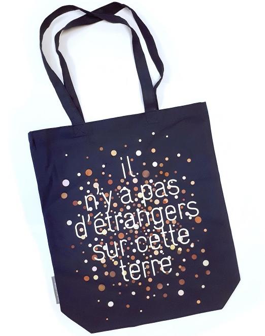 Cadeau militant et solidaire : sac en tissu de La Cimade